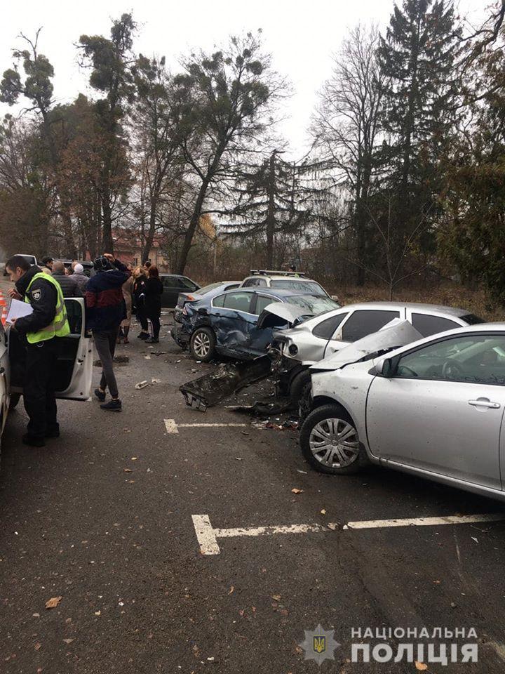 (Боярка, аварія) Затримали водійку під «мухою», яка пошкодила кілька авто (відео)