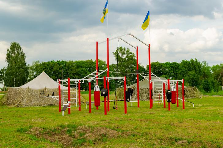 Унікальні спортивні майданчики у Святопетрівському – для тренувань на свіжому повітрі