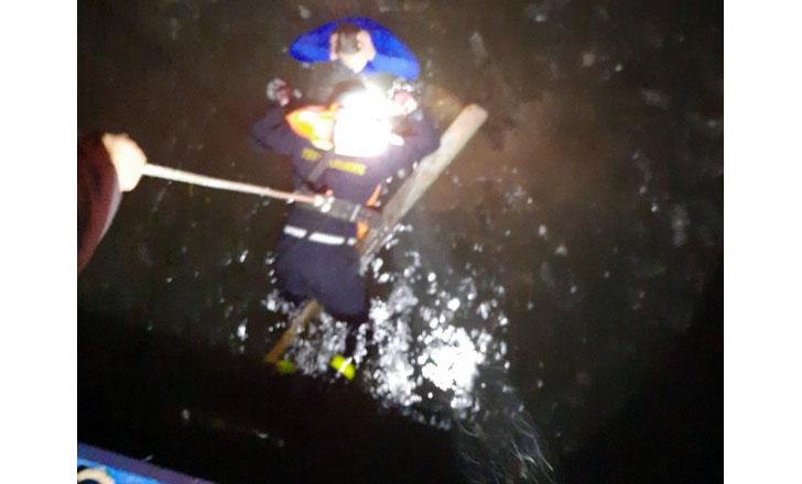 У Софіївській Борщагівці жінка провалилася під лід (відео)