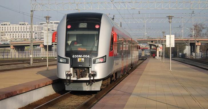 """Таксисти шоковані – Гройсман обіцяє швидкісний потяг до аеропорту """"Бориспіль"""""""