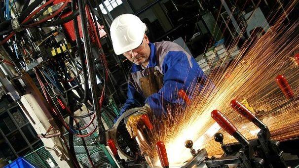 Обсяги промислового виробництва в Україні скоротились