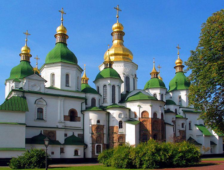 Розкопки залишків храму ХІ століття на території Софії Київської